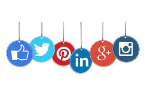 Momsen Designs - Advantages of Using Social Media Marketing for Your Business
